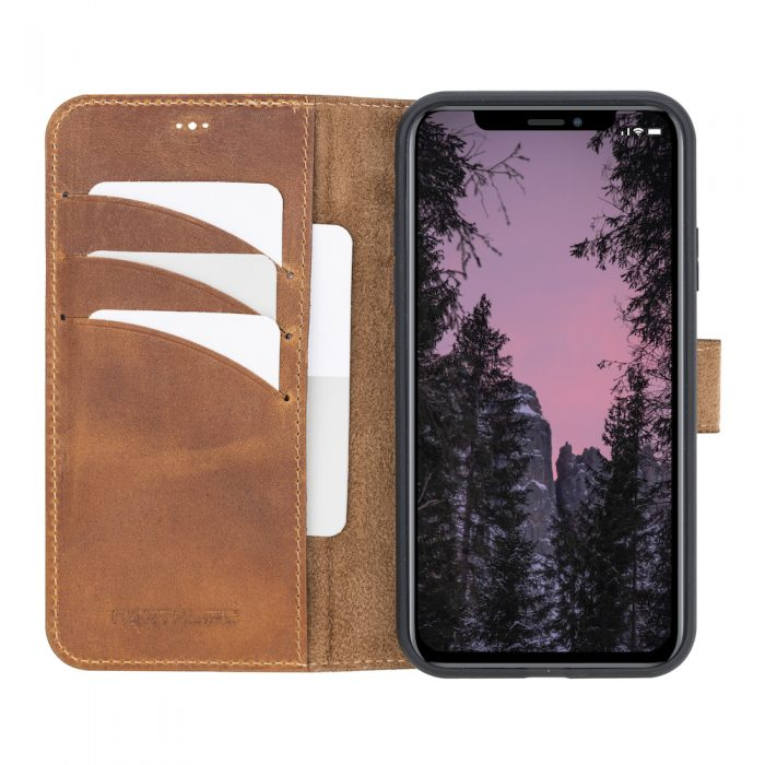 iPhone 11 – Detachable wallet case – Villa Cruoninga Cognac